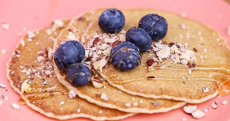 Un petit dejeuner healthy et gourmand avec les pancakes vegan