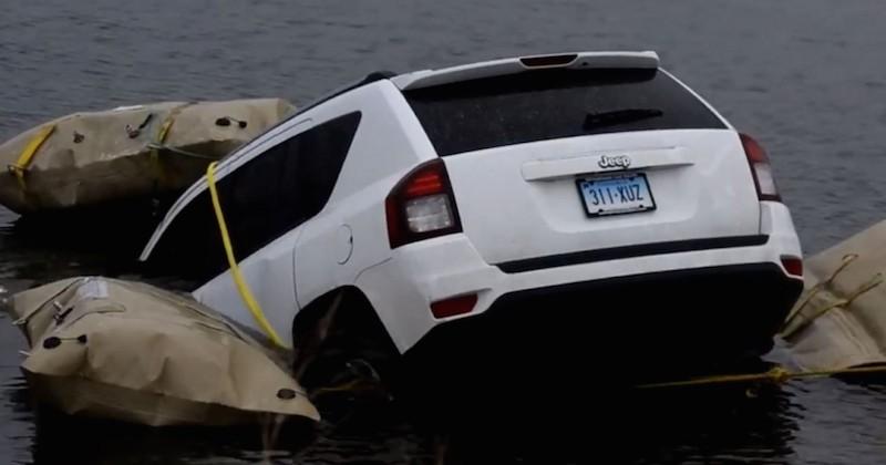 Etats-Unis : Ils suivent Waze et terminent dans un lac