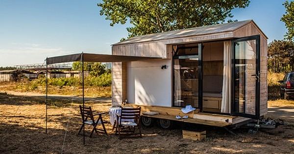 Ils nous prouvent avec passion que vivre dans une «maison» de 9 m2, c'est possible !