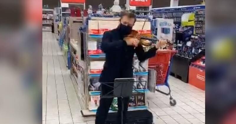 « Parce que la culture ne doit jamais s'arrêter », Renaud Capuçon improvise un concert dans un hypermarché