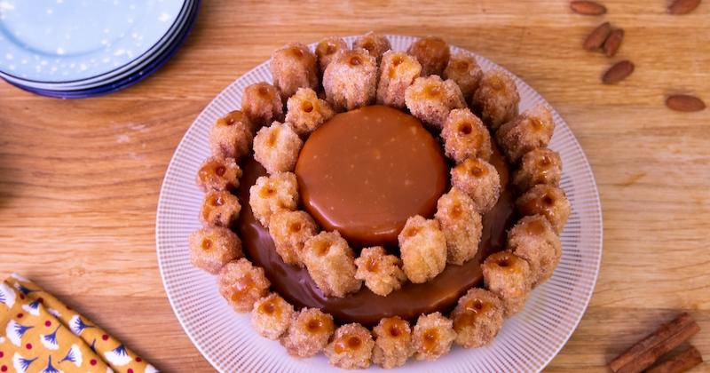 Découvrez le gâteau au dulce de leche orné de churros, un rêve devenu réalité!