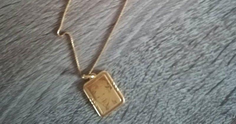 Cambriolée, une maman demande à récupérer le pendentif gravé de sa fille décédée... et les voleurs le lui rendent