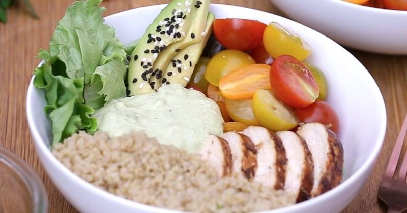 Faites le plein de vitamines avec le Power Bowl au quinoa Bonduelle, avocat et poulet mariné!