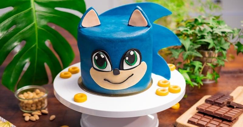 A l'occasion de la sortie du film Sonic mercredi prochain au cinéma, nous avons réalisé un magnifique gâteau à l'effigie du héros !