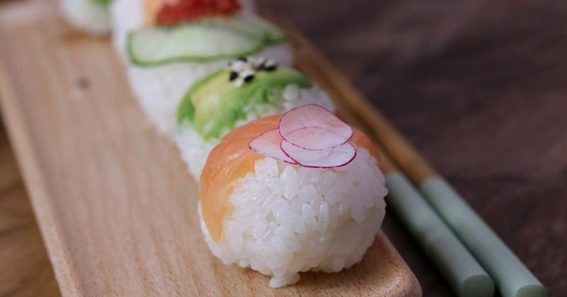 Faites-vous un atelier sushi chez vous avec les adorables Sushi Balls, ou Temari Sushi en japonais!