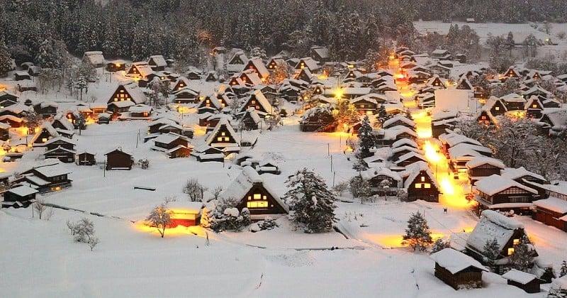 Japon: découvrez Shirakawa-gō, un village au décor féérique qui se révèle en hiver