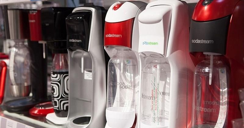 La marque SodaStream dénonce l'utilisation de plastique unique dans une publicité