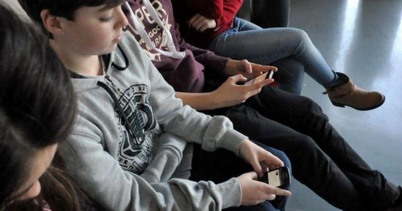 Le téléphone portable sera totalement interdit dans les écoles et collèges à partir de la rentrée 2018