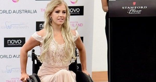Cette femme a été la première participante en chaise roulante à un concours de miss... Et elle a ébloui tout le monde !