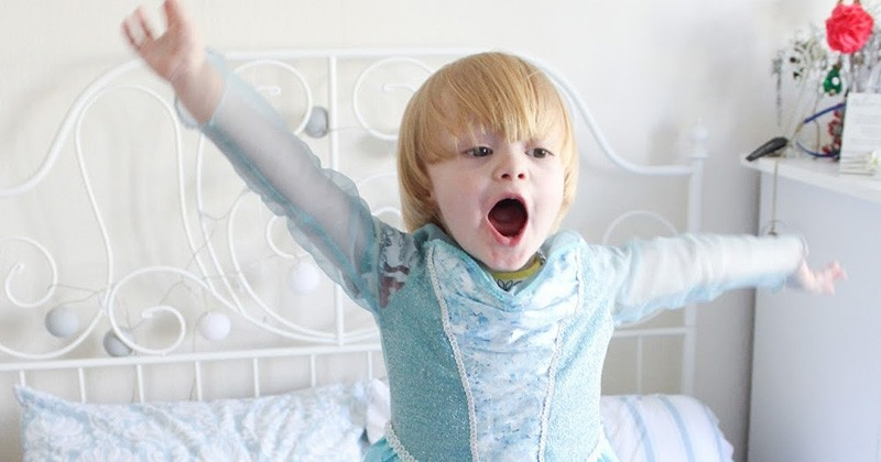 Disneyland Paris s'excuse d'avoir refusé l'accès de leur activité « Princesse d'un jour » à un petit garçon