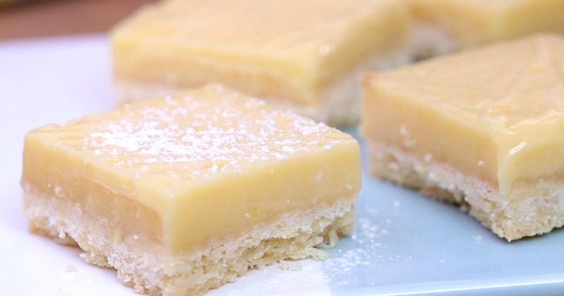 Amateurs de tartes au citron, fondez pour les carrés sablés à la crème de citron