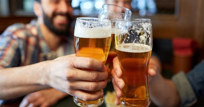 Mal à la tête? Ne vous jetez plus sur vos comprimés... buvez une pinte de bière: une étude très sérieuse prouve que la boisson atténue les douleurs