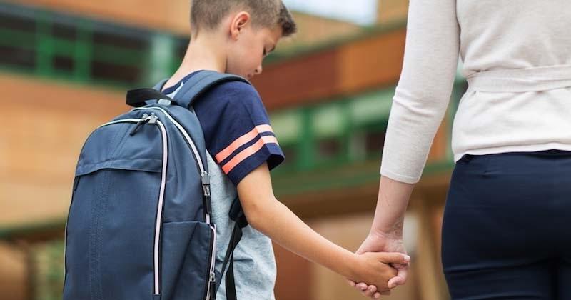 Sur les formulaires scolaires, les mots « père » et « mère » remplacés par « parent 1 » et « parent 2 »
