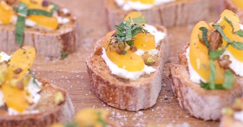 toasts au fromage de chèvre et abricots