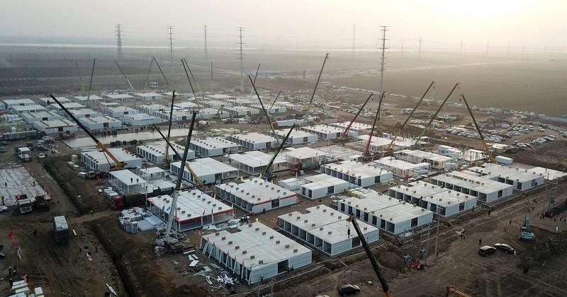 En Chine, un centre de quarantaine géant a été construit pour isoler plus de 4000 cas contact du Covid-19