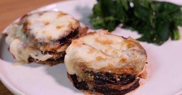 aubergines panées à la mozzarella et à la sauce tomate