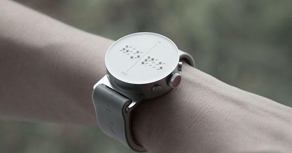 Une entreprise sud-coréenne met au point la première montre connectée pour les aveugles, avec des messages en braille... Une invention géniale et utile !