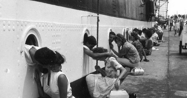 Ces 14 photographies vintages montrent que si la guerre sépare les amoureux, l'amour persiste à travers les images.