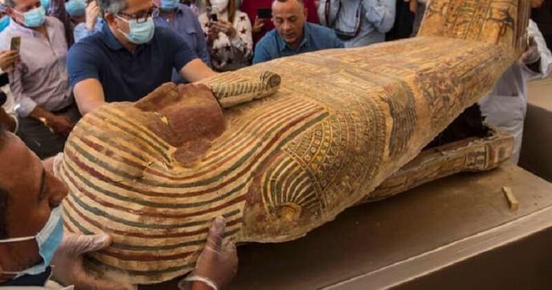 Égypte: une momie parfaitement conservée a été trouvée dans un sarcophage vieux de 2 500 ans