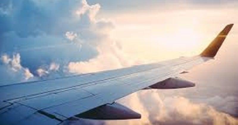 Un couple gay prié de laisser son siège dans l'avion à un couple hétérosexuel a préféré descendre de l'appareil