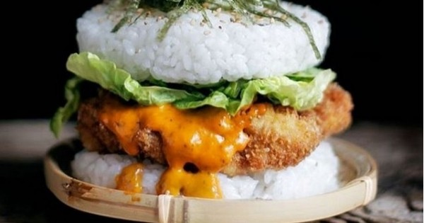 Le sushi burger, LA tendance food du moment qui déchaîne les passions !