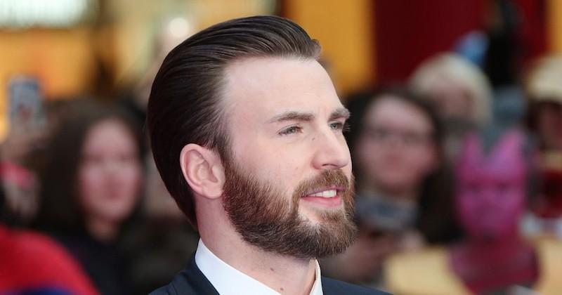 Chris Evans (Captain America) dévoile par erreur un cliché de son sexe sur Instagram