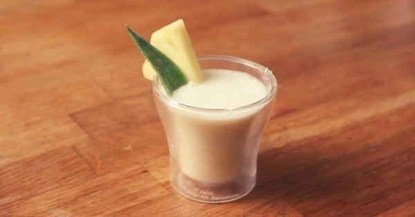 Envie de déguster un shot détonnant ? Découvrez le Frozen Island, à base de Malibu Spiced Island, d'ananas et de lait de coco !