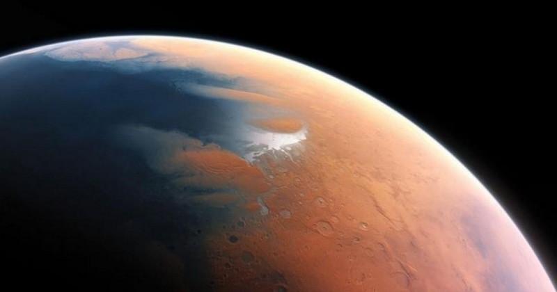 Sous la surface de la planète Mars, un lac d'eau salé liquide de 20 kilomètres de largeur a été découvert