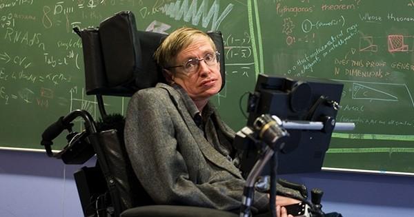 L'éminent physicien Stephen Hawking avertit l'humanité du danger potentiel qu'elle encourt  à essayer de contacter les extraterrestres par tous les moyens
