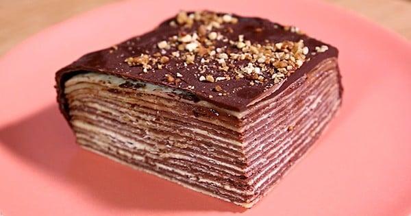 Gâteau de crêpes au chocolat noir