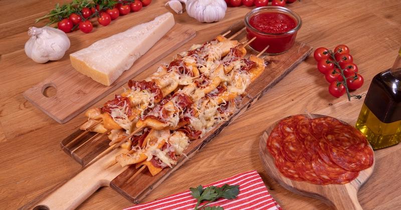 Les brochettes de pizza, on en fait qu'une bouchée !