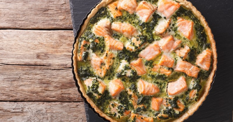 Appréciez une savoureuse quiche aux épinards et au saumon !