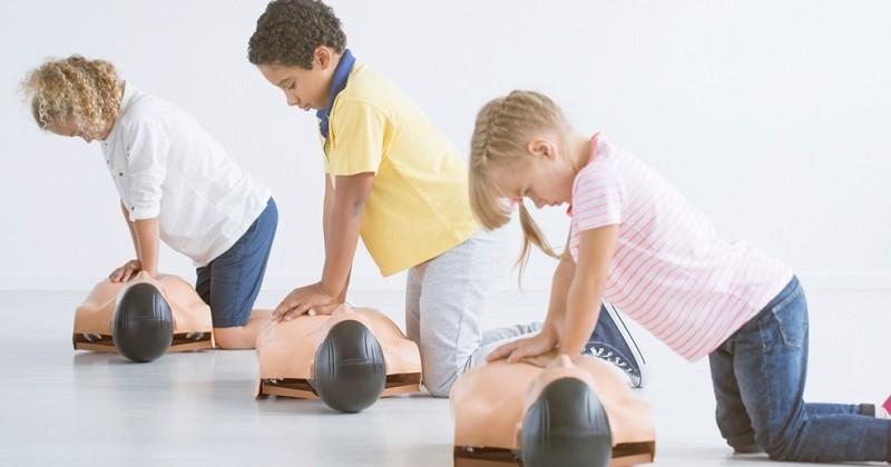 D'ici 2022, tous les élèves de troisième seront formés aux gestes de premiers secours