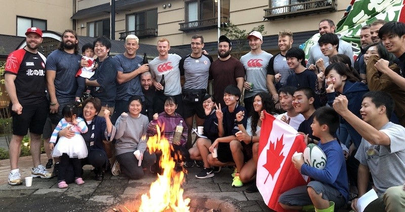Après l'annulation de leur 3e match de Coupe du monde, les rugbymans canadiens viennent en aide aux sinistrés du typhon Hagibis