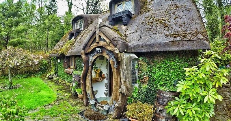 Un Anglais fan du Seigneur des Anneaux a construit sa propre maison de Hobbit en Écosse !