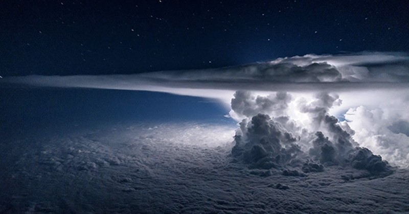 Envie de mettre à jour vos fonds d'écran ? Voici 20 photos prises par un pilote lors de ses différents vols... C'est magnifique !