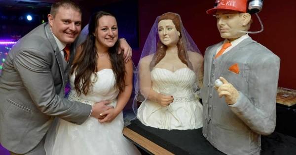 Cette jeune mariée a réalisé sa propre pièce montée à l'effigie de son mari et d'elle-même ! Impressionnant... et un peu flippant !