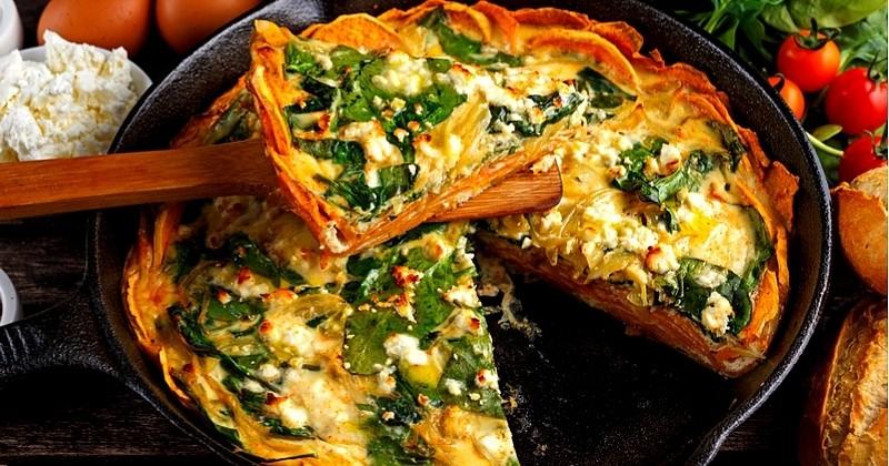 Découvrez la quiche à la patate douce et feta pour un repas gourmand et copieux!