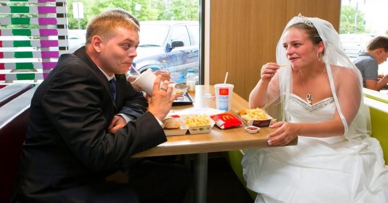 Se marier chez McDo ou KFC? C'est maintenant possible en Grande-Bretagne!