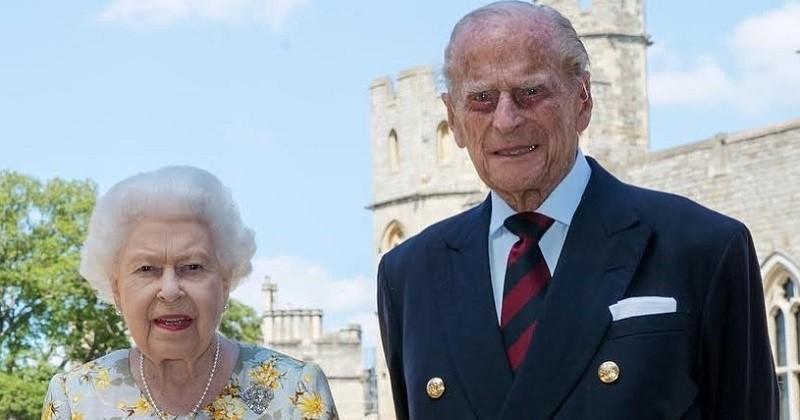 Le prince Philip pose avec la reine Elizabeth II pour ses 99 ans