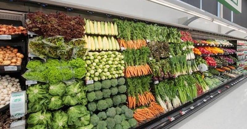 En bannissant le plastique de son rayon, ce supermarché explose ses ventes de légumes