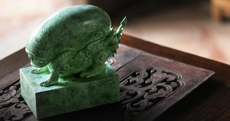 Quand les créatures de « Alien versus Predator » prennent forme dans des statuettes telles des amulettes précieuses