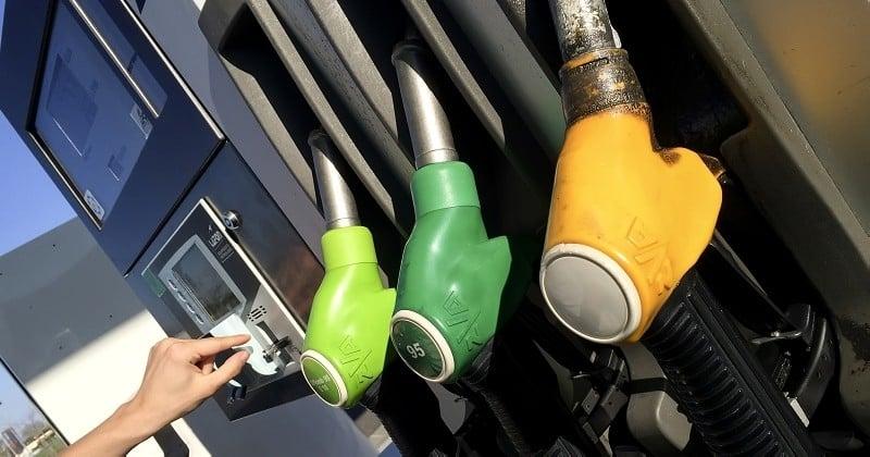 Opération «coup de pompe» : les automobilistes invités à envoyer leurs tickets d'essence à Emmanuel Macron