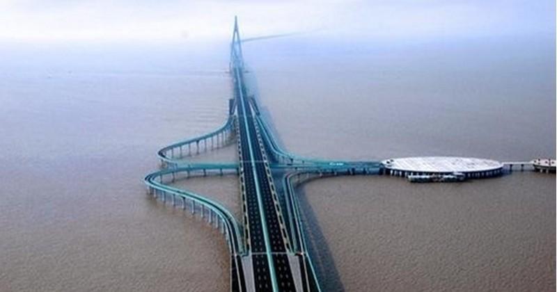 Le plus grand pont maritime du monde ouvre cette semaine en Chine !