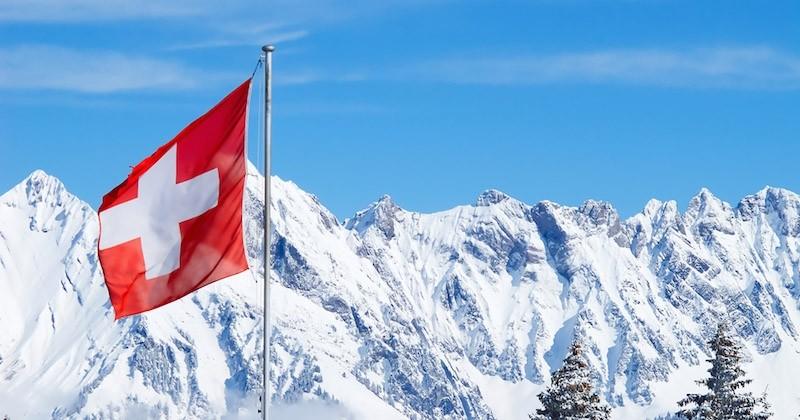 La Suisse vote une loi interdisant à vie aux pédophiles de travailler au contact d'enfants