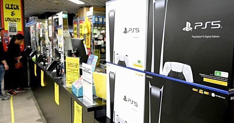 Après avoir réussi à acheter 200 Playstation 5, un Américain a déjà gagné plus de 30 000 euros en une semaine en les revendant