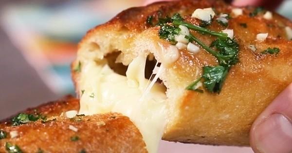 Garnissez vos baguettes de pain de boulettes de viande et de fromage : MIAM, trop bon !