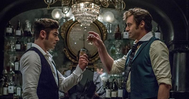 Découvrez la bande-annonce hypnotique du nouveau film avec Hugh Jackman et Zac Efron, « The Greatest Showman » !