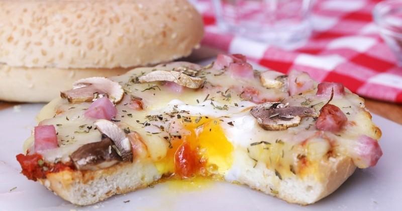 La Pizza Bagel prend le meilleur de la street-food pour créer une recette gourmande !