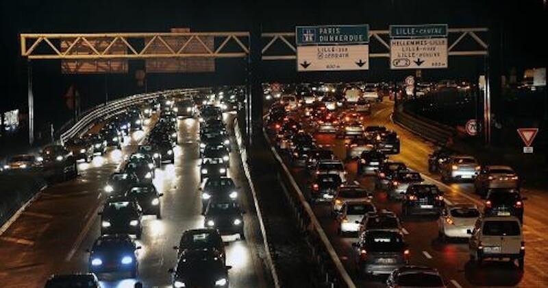 Fuites, embouteillages, manifestations... soirée mouvementée dans la capitale, avant le reconfinement